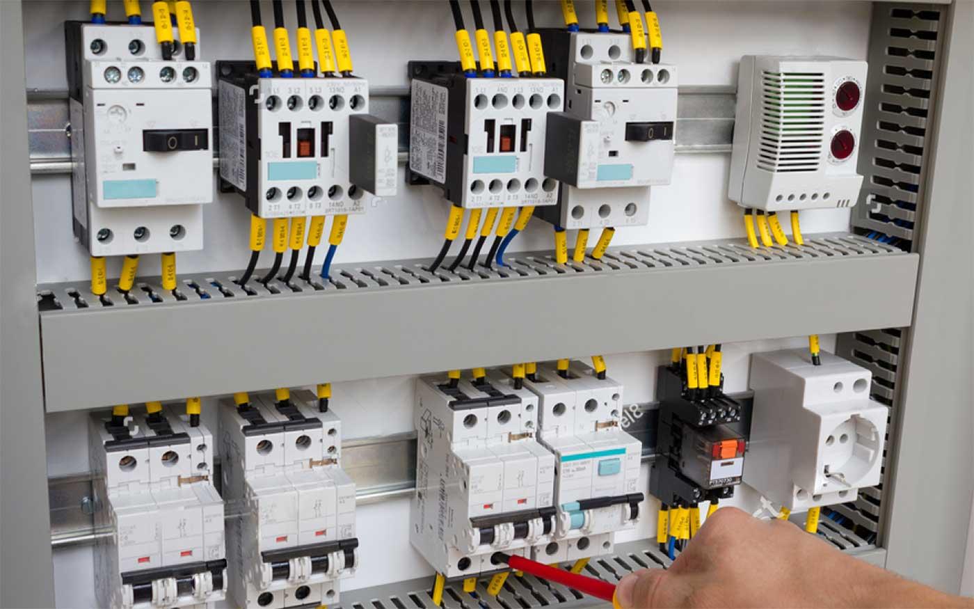 Виробництво електрощитового обладнання / Збірка щитів і шаф